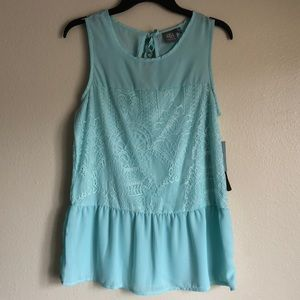 NWT Daisy Fuentes Lace Top Size S